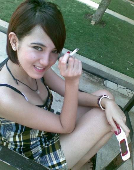 https://2.bp.blogspot.com/-4mh9QcSjWhs/T0z2wX6G_bI/AAAAAAAALaI/P_sGQM7vlbM/s1600/Indonesian+Facebook+Profile+Girls+%2823%29.jpg