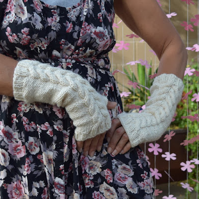 https://www.etsy.com/listing/512381920/fingerless-gloves-knitted-arm-warmers?ref=shop_home_feat_1