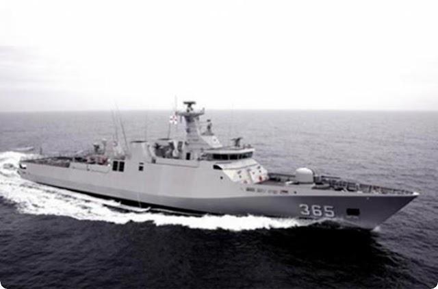 """البحرية الملكية المغربية تتسلم فرقاطة """"طارق بن زياد"""""""