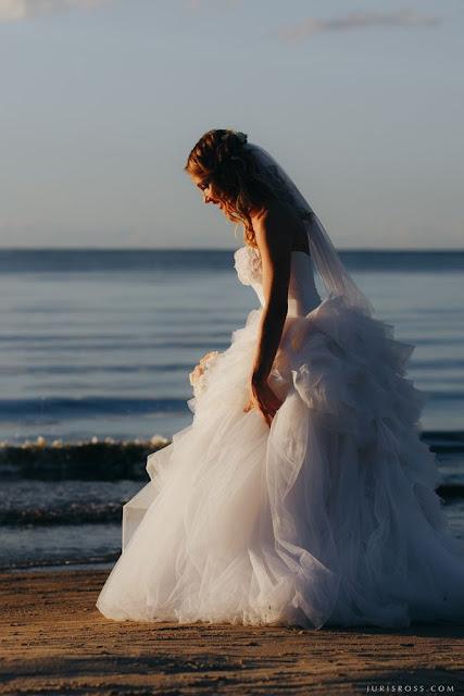 ideāla kāzu kleita