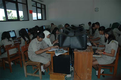SMA Negeri Patikraja
