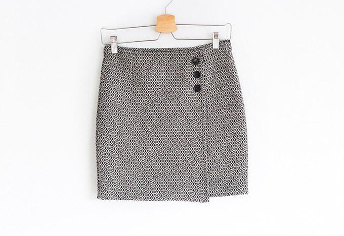 como-hacer-falda-cruzada-asimétrica-con-botones