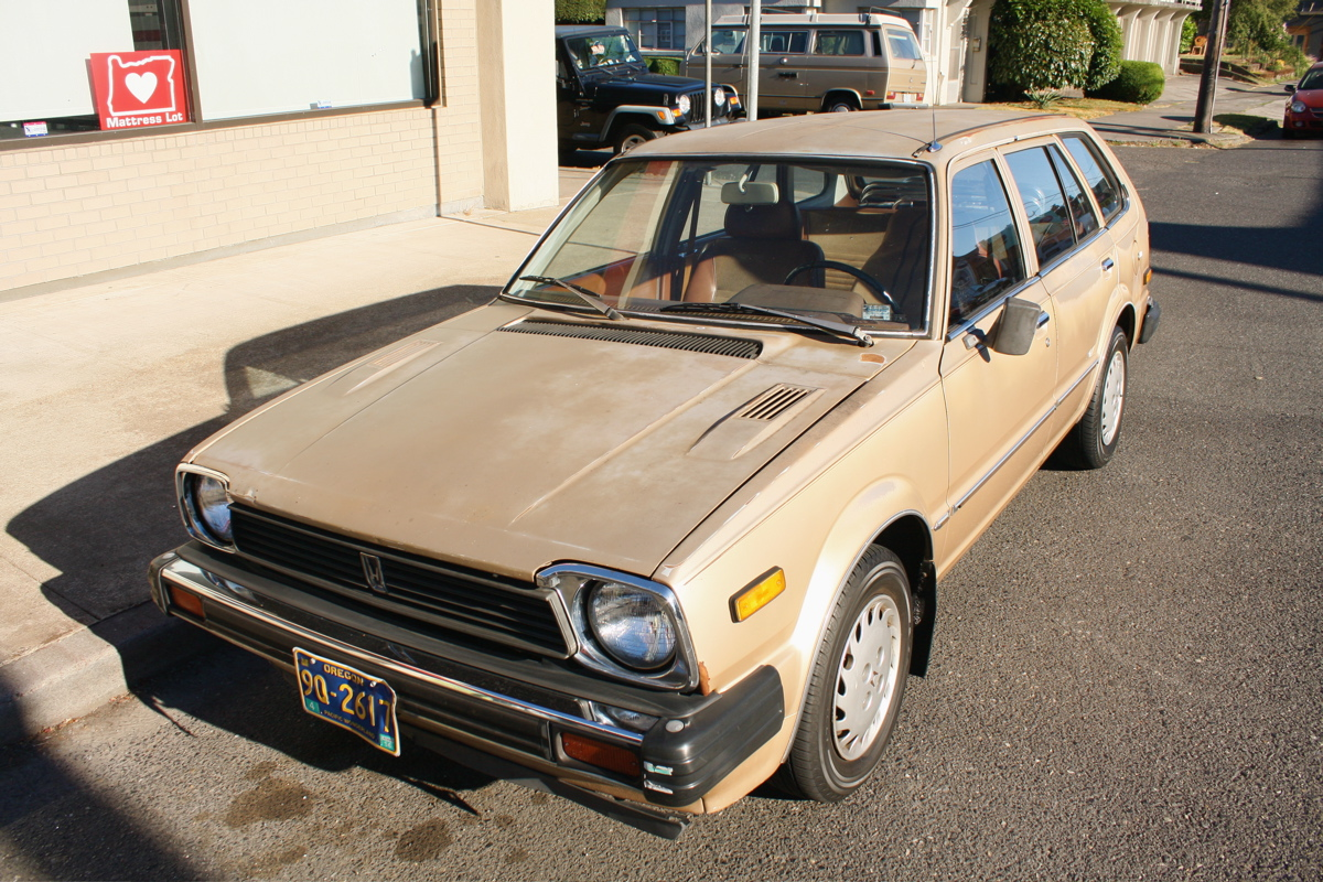 OLD PARKED CARS.: Golden Eggs: 1981 Honda Civic Wagon.