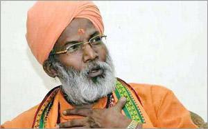 http://www.vyganews.com/2017/08/gurmeet-ram-rahim-sakshi-maharaj.html