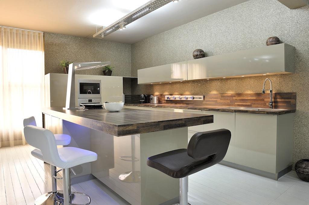 comment amenager cuisine longueur suite accueil design et mobilier. Black Bedroom Furniture Sets. Home Design Ideas