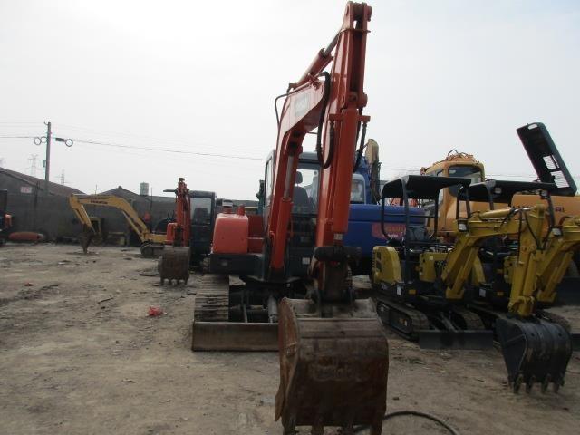 Dịch vụ cho thuê máy xích đào 2010 DOOSAN DH55