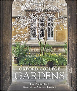 A treasury of garden books: Oxford College Gardens cover