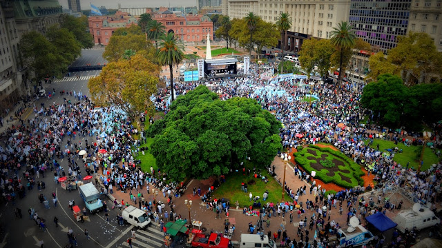 """La CGT marcha a Plaza de Mayo contra el Gobierno pero """"Los Gordos"""" no participan"""