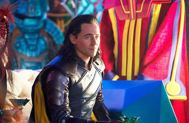 Loki reinando en Asgard