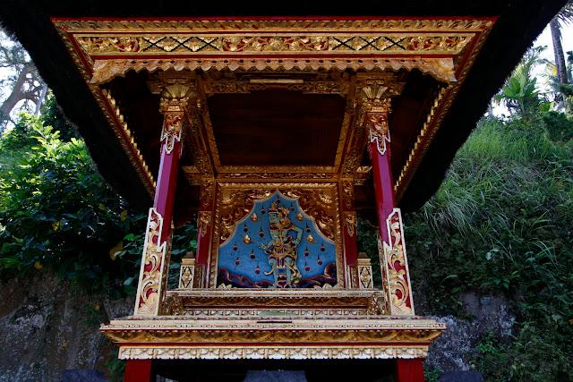 Detalle de templos de  Goa Gajah