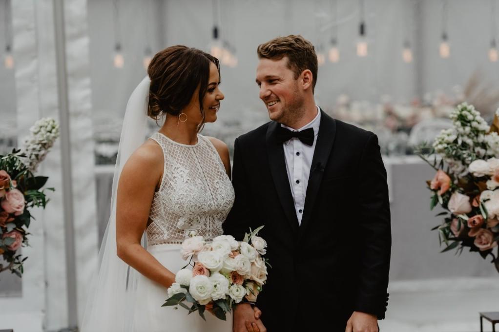 LOVE: HANNAH + KANE | STUNNING QUARRY AMPHITHEATRE WEDDING PERTH WA