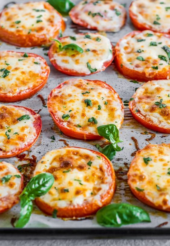 BAKED TOMATOES WITH MOZZARELLA & PARMESAN (BAKED PARMESAN TOMATOES) #baked #bakingrecipes #tomatoes #mozzarella #parmesan #tasty #tastyrecipes #delicious #deliciousrecipes