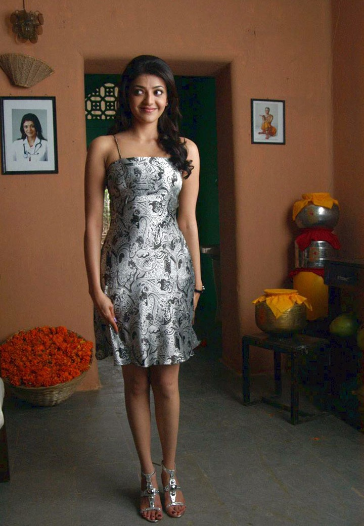 Kajal Agarwal Hot Modern Dress Pictures In Mrperfect -8261