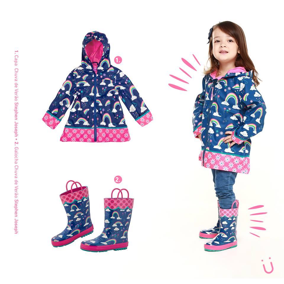 f95abf8ddba Estampas exclusivas e mega coloridas fazem a cabeça das mamães e das  crianças sem deixas o estilo de lado. Feitos de material impermeáveis os  produtos ...