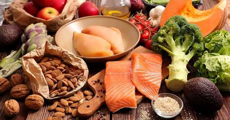 Tiroid bezinizi çalıştıracak sağlıklı yiyecekler tüketirseniz gün içinde daha fazla kalori yakabilirsiniz.