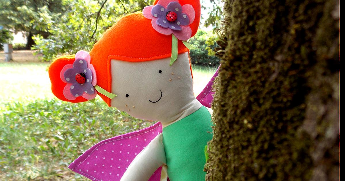 Bambola personalizzata fatina di primavera.