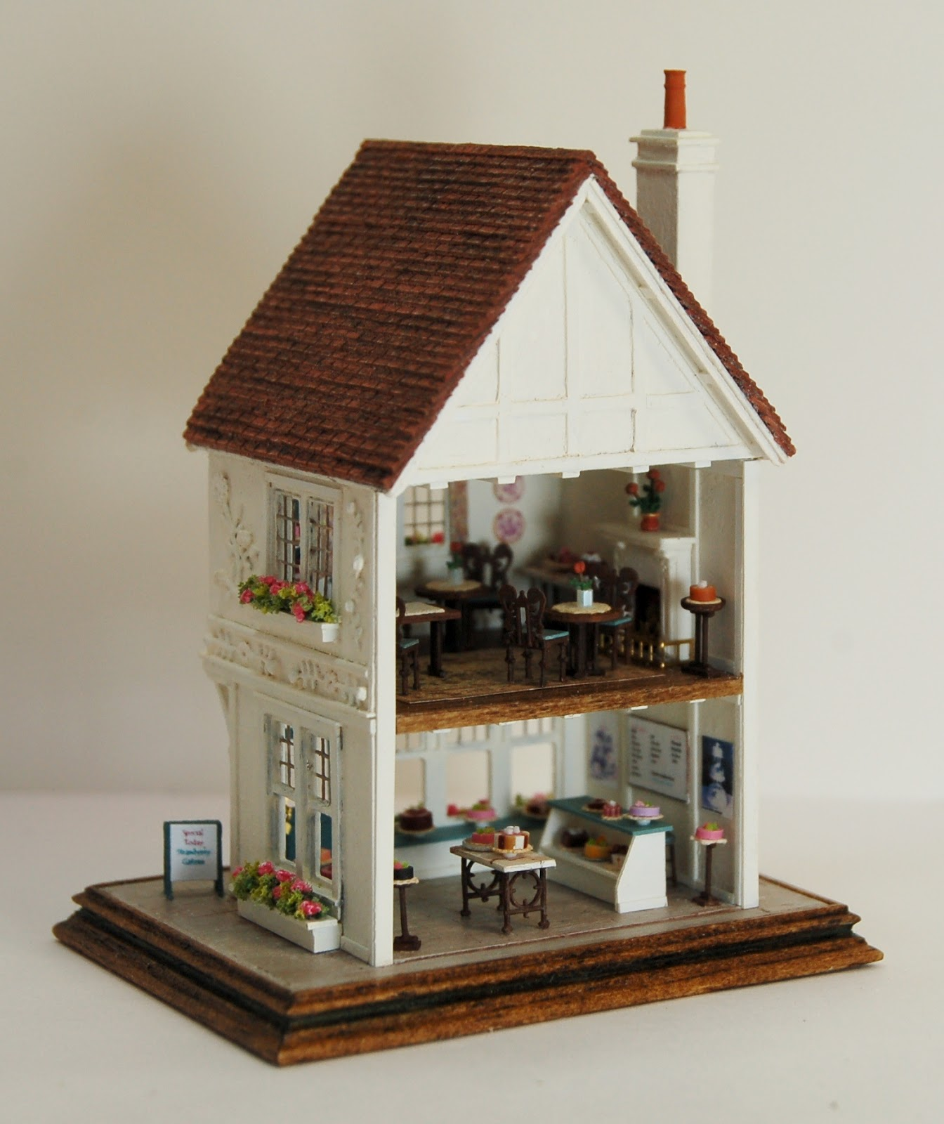 Dollhouse Miniatures Chicago: Nell Corkin: Wildflour Cakes And