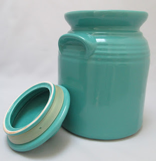 Turquoise Stoneware Cookie Jar lid off ring view