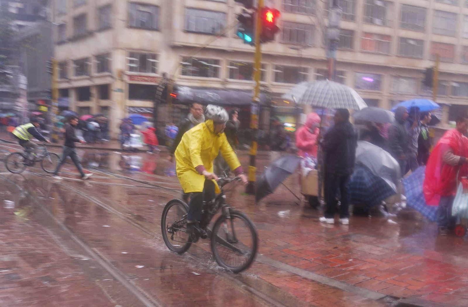 Mikesbogotabikeblog Public Bikes In Bogot 225 161 Chap 43