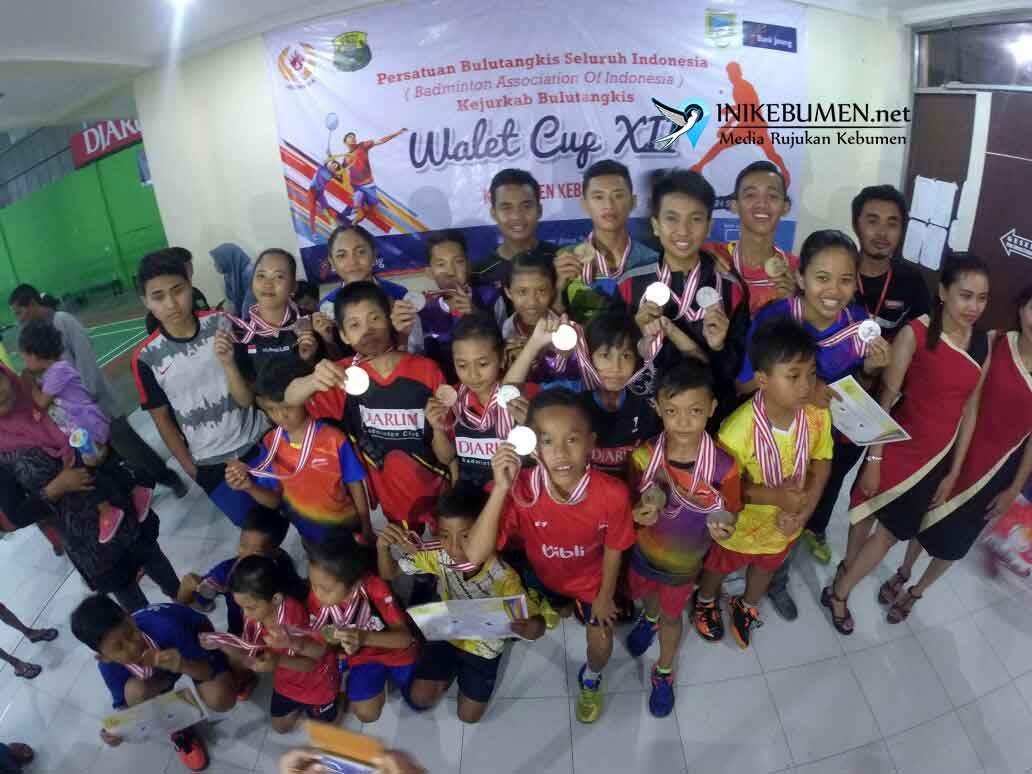 PB Bina Pratama Kebumen Juara Umum Kejurkab Bulutangkis Walet Cup 2017