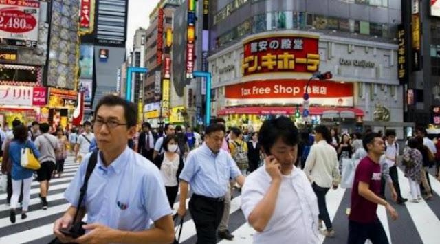 Generasi_Muda_Jepang_Malas_Hubungan_Intim_Karena_Lelah_Bekerja