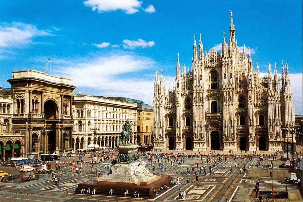 Praça Piazza Duomo em Milão