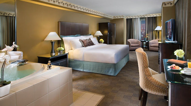 Enjoy the best of the Big Apple and Las Vegas at the New York-New York Resort & Casino. There's something for everyone at this resort.
