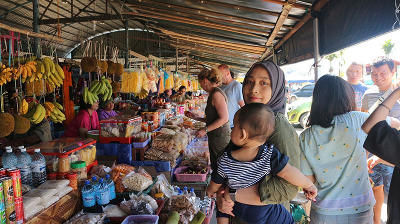 pasar nabalu semasa perjalanan bercuti di Sabah