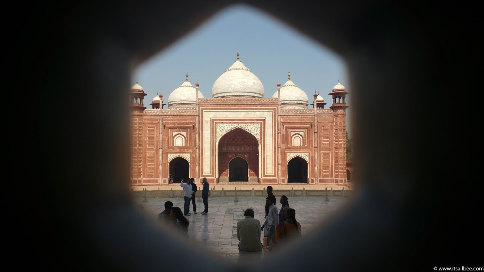 Tips For visiting Taj Mahal | Taj Mahal Pictures and how long to spend at taj mahal