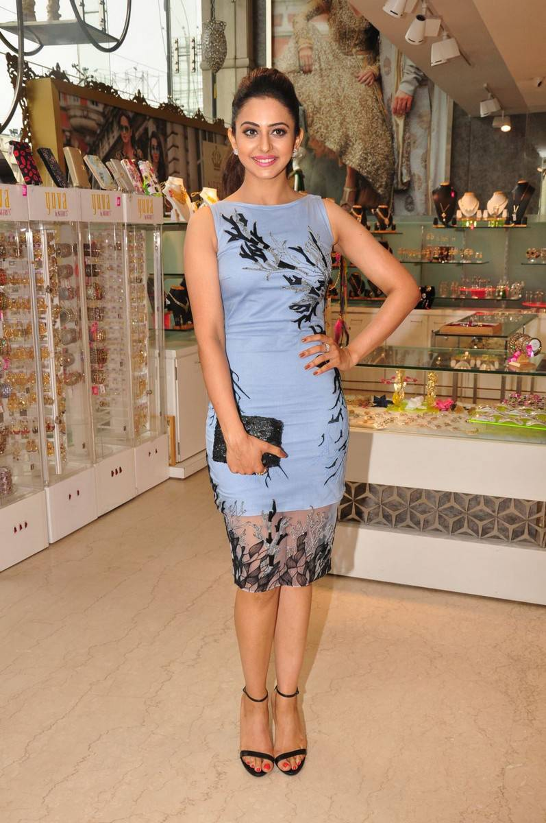 Legs Show Photos Of Rakul Preet Singh In Blue Dress