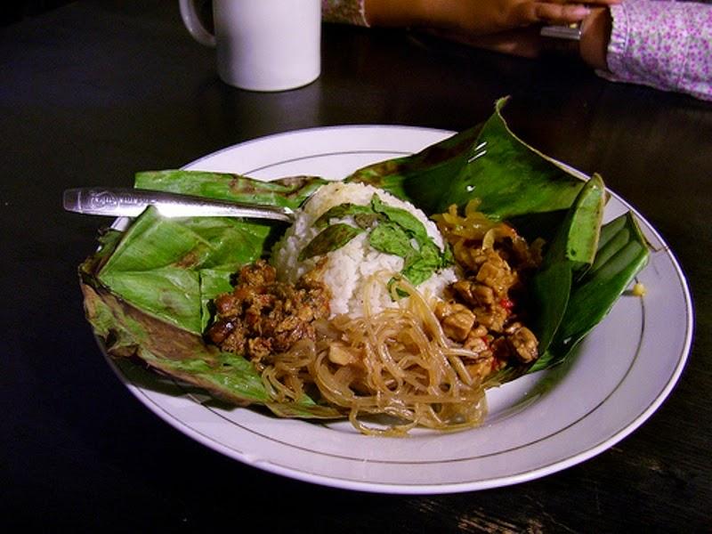 wisata kuliner malam jogja nasi campur demangan cocok untuk penggila pedas
