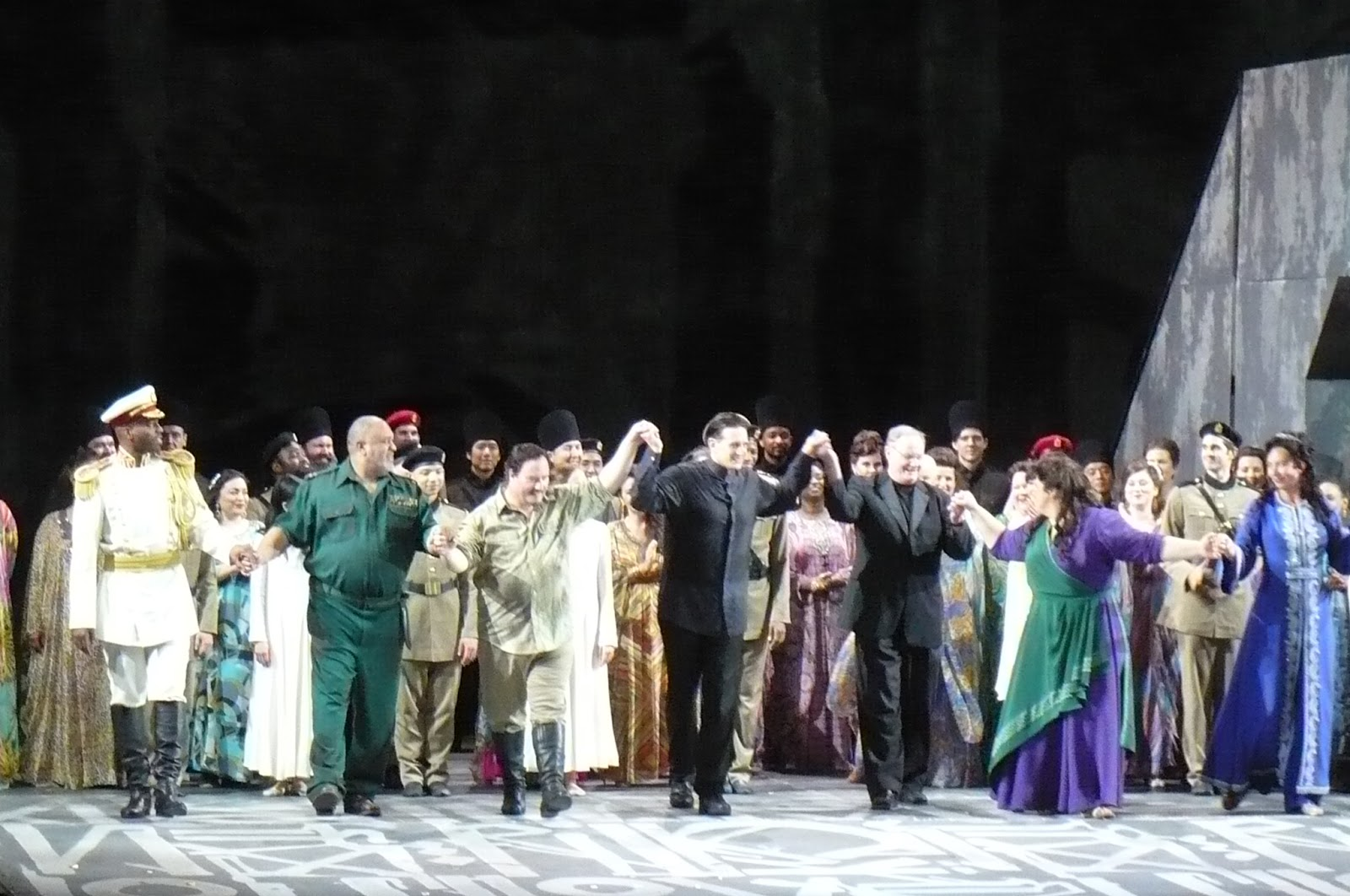 IN PERFORMANCE: (from left to right) bass SOLOMAN HOWARD as il Re d'Egitto, baritone GORDON HAWKINS as Amonasro, tenor CARL TANNER as Radamès, conductor EVAN ROGISTER, chorus master STEVEN GATHMAN, soprano LEAH CROCETTO as Aida, and mezzo-soprano MARINA PRUDENSKAYA as Amneris in Washington National Opera's production of Giuseppe Verdi's AIDA, 10 September 2017 [Photo by the author]