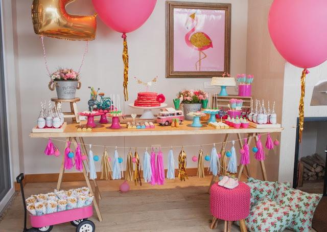 decoração em salão Festa Flamingo