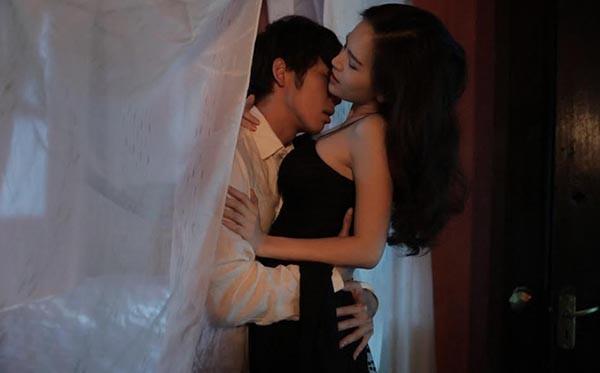 """Tràn ngập """"cảnh nóng"""" trong sự nghiệp phim ảnh của Phi Huyền Trang"""