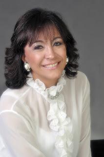 Resultado de imagem para Maria Elvira Salles