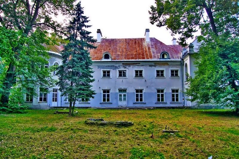 http://majkad.blogspot.com/2010/10/podzamcze-kmegwi.html