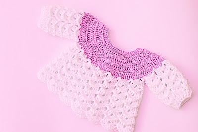 Imagen Chambrita rosa y blanca a crochet y ganchillo por Majovel crochet