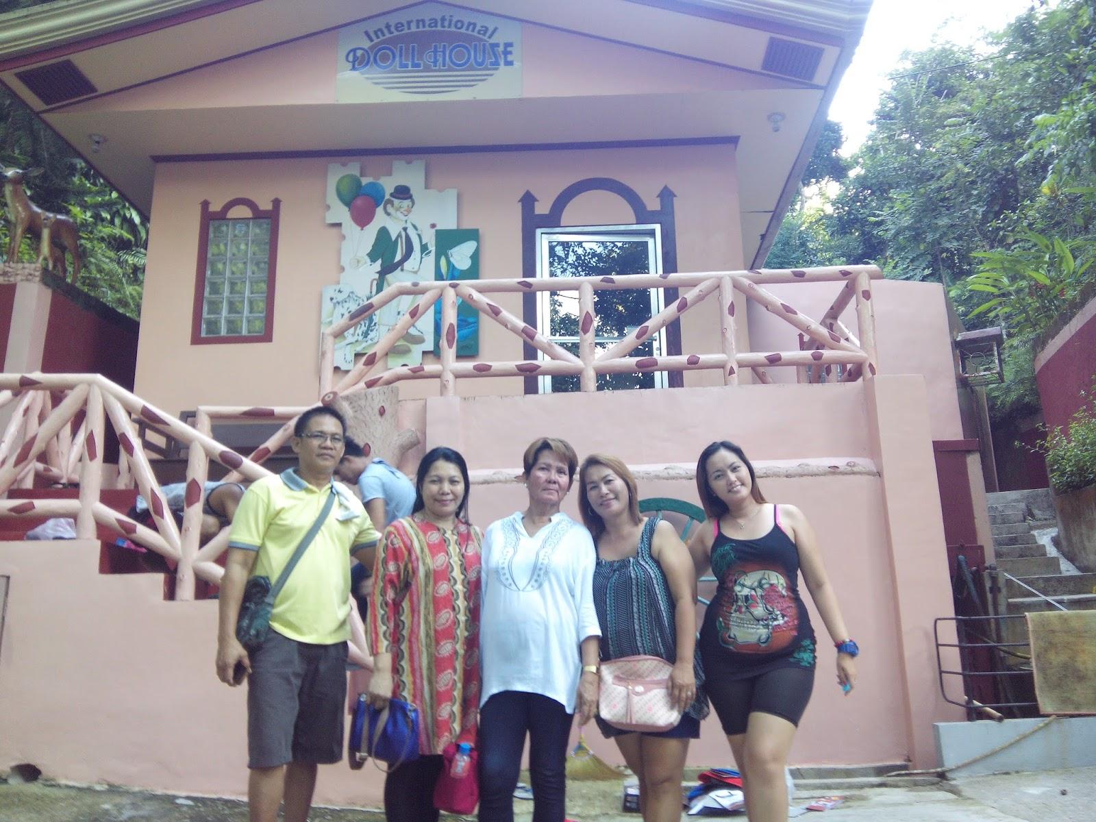 R E N D E Z V O U S International Doll House And Ocean View Park At