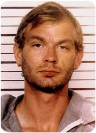 Jeffrey Dahmer seorang pembunuh berantai,yang membunuh dan memperkosa mayatnya