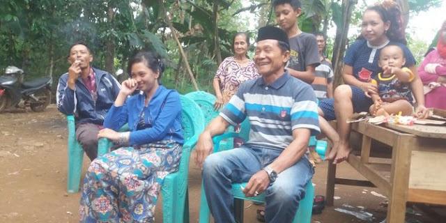 Kisah Cinta Secangkir Kopi, Si Kakek 62 & Gadis 18 Tahun