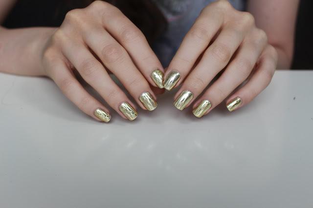 Indigo Metal Manix srebrne paznokcie silver nails metal nails shine party hybrydy semilac metalowe paznokcie jak zrobić metalowe maznokcie gdzie kupić instrukcja semilac hola paola blog zdjęcia test