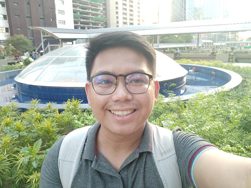 Redmi Note 5 daylight selfie