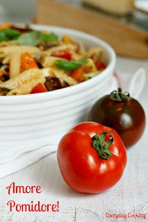 http://www.greencooking.pl/2012/07/makaron-ze-swiezymi-pomidorami.html