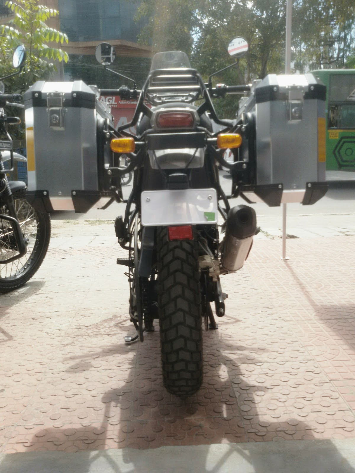 Neo The Nomad Royal Enfield Himalayan Sleet Bs4 Fi Buying And