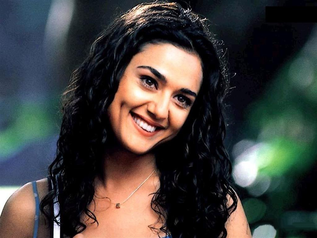 Bollywood Star News Preity Zinta Hot  Sexy Wallpapers -7867