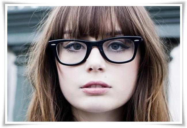 ed6fa03f802c9 Anna invadindo o blog da Biah de novoooo  o  o  o  hahah Bem, eu uso óculos  desde os 08 aninhos, mas como estou enjoada dessas armações bisonhas, ...