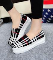 Sepatu Kets Wanita Surabaya