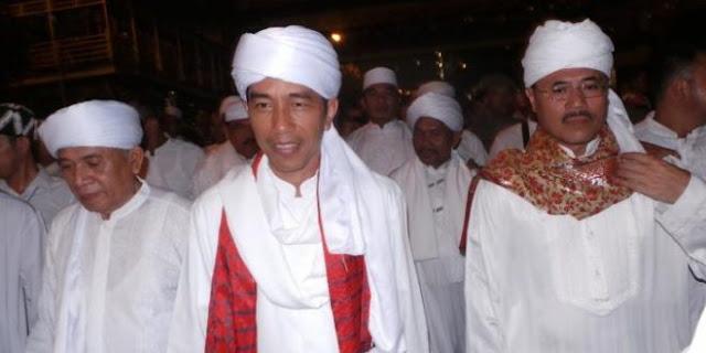 "Heboh! Puisi Santri Jokowi ""Kholifah Kami"" Bak Malaikat, Benarkah Jokowi Kholifah? Begini Penjelasannya"