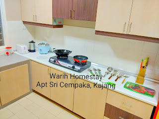 Warih-Homestay-Sri-Cempaka-Kitchen-With-Complete-Utensils