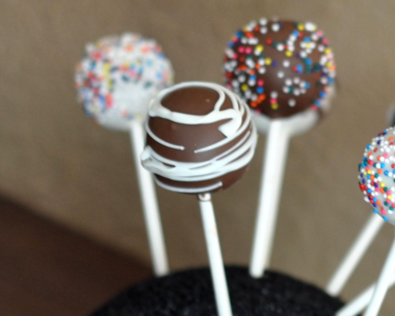 beki cook 39 s cake blog how to make cake pops. Black Bedroom Furniture Sets. Home Design Ideas